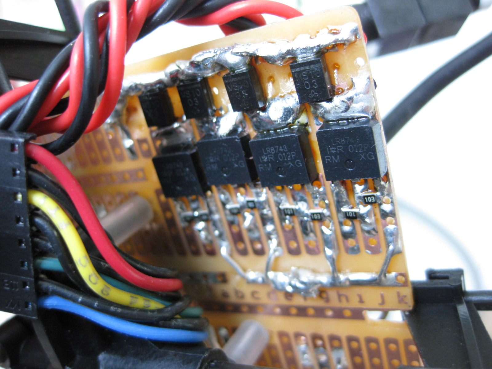 Quadcopter Prototype Using Acc Gyro And A Pic Starlino Electronics Rc Servo Controller Circuit Pic18f252 Youll See The Mosfets Schottky Diodes Also Note Extra Solder Added To Support High Currents That Will Flow Through Those Traces Up 5a